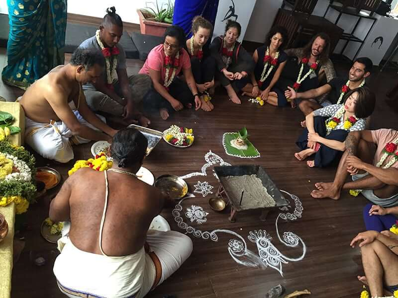 Spiritual hawan atayurveda retreat - Indian Yoga School
