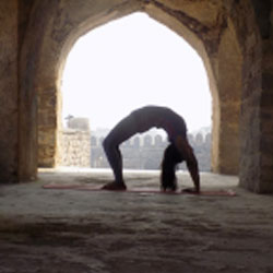 Manisha Nayak - Hatha Yoga Teacher Indian Yoga School